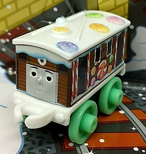 Fotos Cena Navidad Frinsa.Fisher Price Thomas Friends Minis Advent Toby 4cm Bagged Collectable Christmas Train